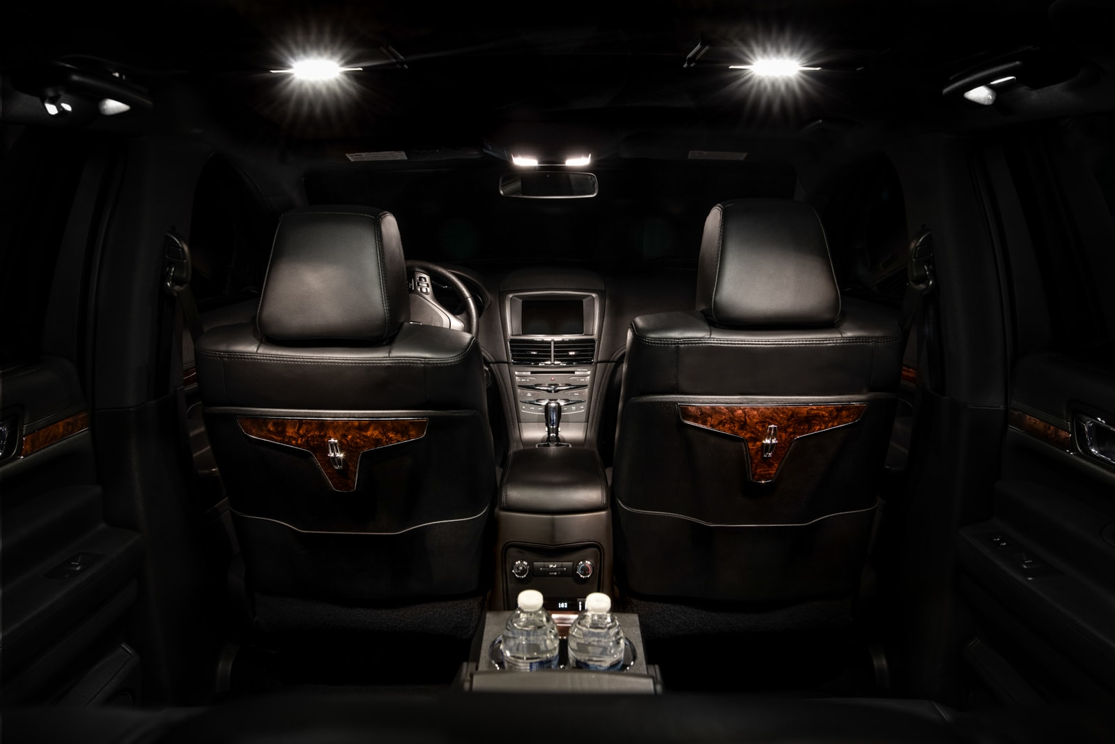 Lincoln MKT front interior, one of the vehicles available for as a limo rental.
